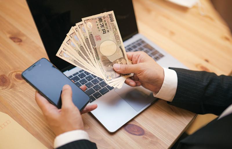 クレジットカード現金化は自分で行ってはいけません!